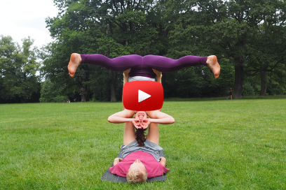 Acroyoga for Beginners – Straddle bat (8:9)