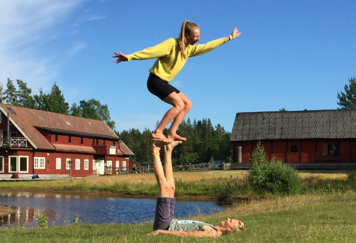 Advanced acroyoga course