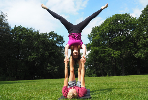 Intermediate acroyoga course